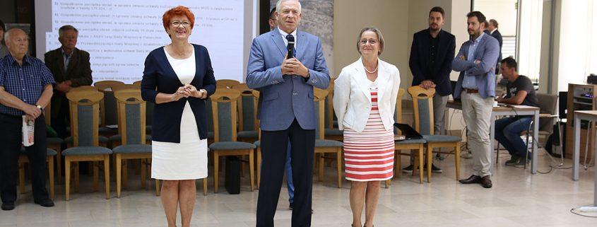 Prezydium Piaseczyńskiej Rady Seniorów: Lucyna Domańską – Włodarczyk, Piotr Jakubowski, Bożenna Papaj , foto. Anna Grzejszczyk